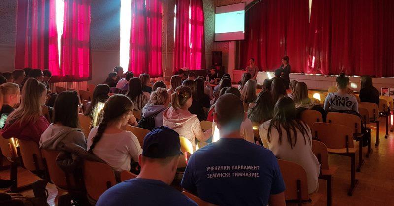 Pričale smo sa đacima Zemunske gimnazije o nasilju u partnerskim odnosima